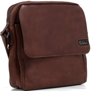 548cf8b6d9 La qualité du cuir et des finitions de ce sac en font un accessoire  indispensable que vous apprécierez pour longtemps.