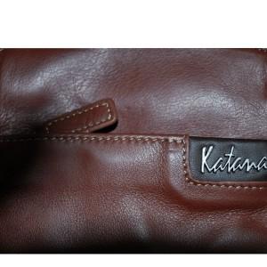 Sac pochette bandoulière en cuir de vachette sauvage Katana